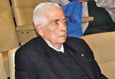 Luciano Benjamín Menéndez ya suma once condenas a perpetua, más dos condenas a una veintena de años de prisión. Imagen: Télam